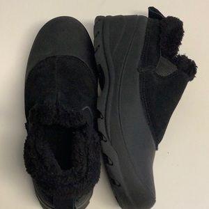 NWOT Northside black winter boots